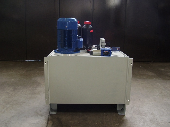 Centraline idrauliche trezzi cilindri for Mini pressa idraulica